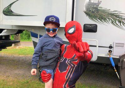 fête d'enfants super héros spiderman 2